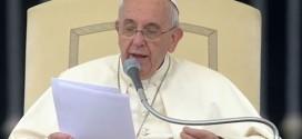 Sorriso de família é capaz de vencer falta de amor, diz Papa